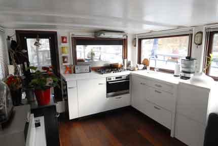 P niches bateaux logements ventes bateaux logements d 39 occasion - Construction peniche neuve ...